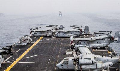 """بالصور: """"USS BOXER"""" تعبر باب المندب"""