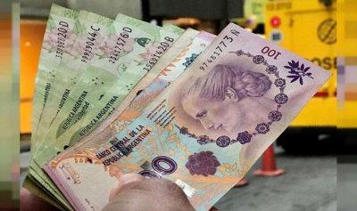 الأرجنتينيون يسحبون أموالهم