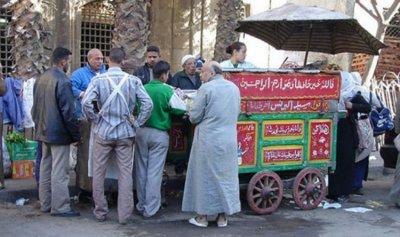 """فول الشارع """"قنبلة صحية"""" في مصر"""