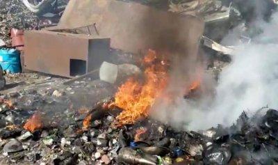 محرق أجهزة الكترونية بقبضة شرطة بلدية طرابلس  