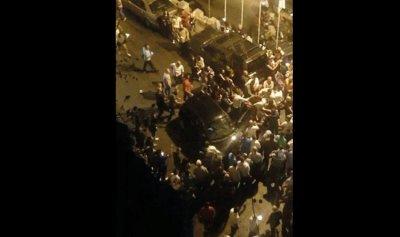 """بالفيديو- """"سكران"""" يقتحم مسيرة عيد السيّدة في جزين"""