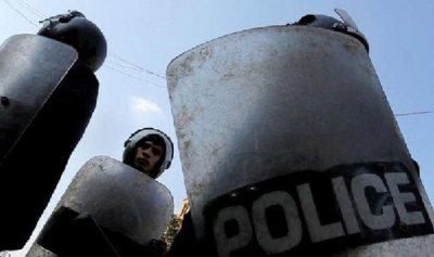 مصري يسكب الأسيد على زوجته ويصيب أولاده و14 شخصاً