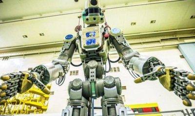 """أول """"روبوت بشري"""" إلى الفضاء"""