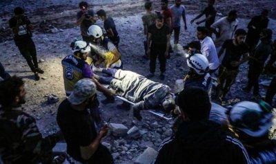 15 قتيل في غارات النظام السوري على إدلب