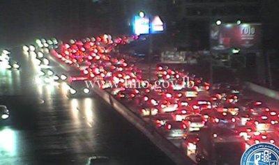 حادث سير بين 4 سيارات في منطقة شارل الحلو
