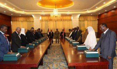 6 أولويات أمام الحكومة الانتقالية في السودان