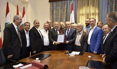 بري: لا يجوز أن تكون الجنسية اللبنانية وقفا على الاغنياء