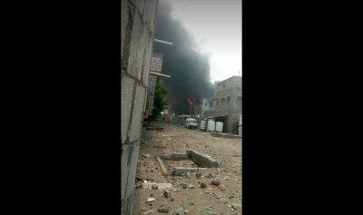 بالفيديو: لحظة إنفجار مخزن أسلحة للحوثيين