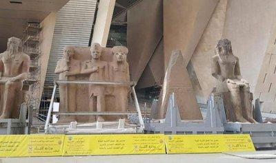 """الآثار المصرية تنقل 4 قطع ضخمة إلى """"المتحف الكبير"""""""