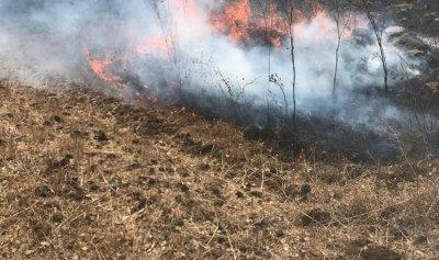 اخماد حريق في خراج الدبابية العكارية