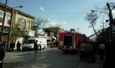 بالفيديو: مجهول يحرق بنكًا بالعاملين فيه في إيران