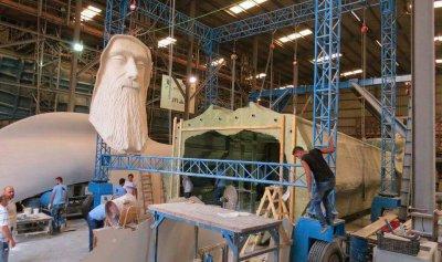نقل أكبر تمثال للقديس شربل الى فاريا… وتدابير سير ليلة المناسبة