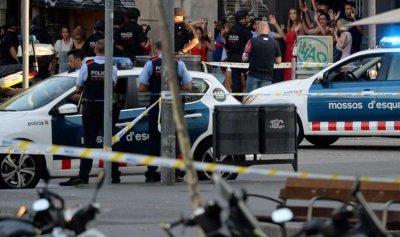 بالفيديو: تفاصيل الإعتداءات من برشلونة إلى كامبريلس … والشرطة تقتل المنفذين