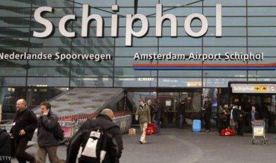 """إطلاق رصاص على """"مسلح"""" في مطار هولندي"""