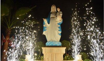 بالفيديو: ازاحة الستار عن تمثال للسيدة العذراء في بقسطا