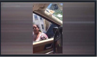 بالفيديو: إنتقام مروع من زوجة امام أطفالها