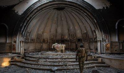 """العائلات العراقية المسيحية في القليعة اللبنانية: لم يكن عندنا """"قوات"""" لتدافع عنا"""