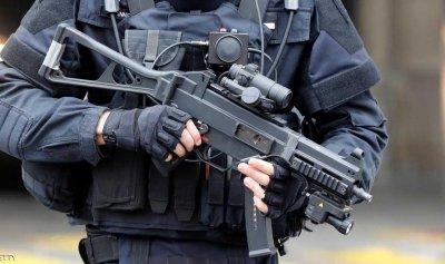 شرطي فرنسي يقتل 3 أشخاص ثم ينتحر