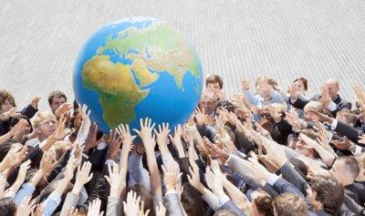 تفكّك العولمة أمام مصلحة الشعوب (بقلم موسى فريجي)