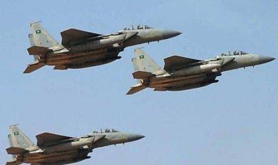 التحالف يضرب معسكرًا حوثيًا ويقتل عشرات المسلحين