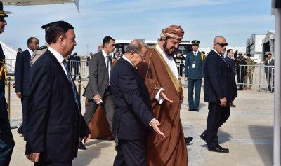وصول ممثل السلطان قابوس الى بيروت