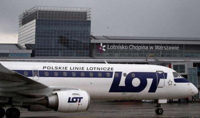 بالصور.. هبوط اضطراري لطائرة ركاب بولندية