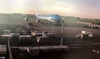 بالفيديو: حادث بـ35 مليون دولار… وسائق أرعن