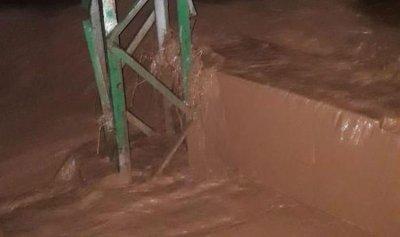 السيول تجتاح البقاعين الأوسط والغربي وانقاذ 30 طالبا