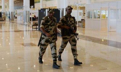 الأمن بمطارات الهند ممنوع عن الابتسام !