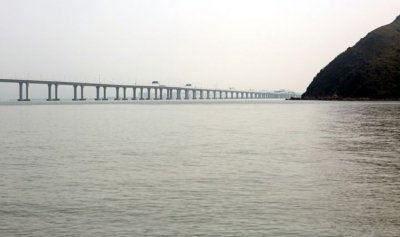تعرف الى أطول جسر بحري في العالم!