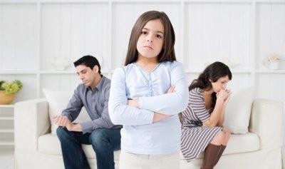 مُساعِدات اجتماعيات في تنفيذ احكام حضانة الأطفال