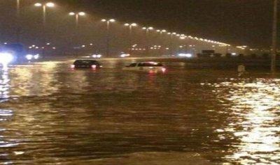 أمطار غزيرة وسيول تجتاح الكويت