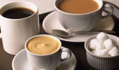 تفضّل الشاي أم القهوة؟