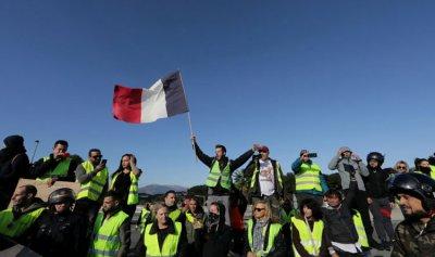 """60 ألف شرطي استعداداً لـ""""السبت الأسود"""" في فرنسا"""