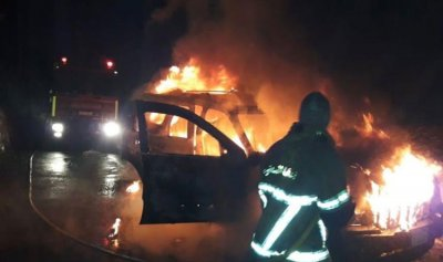 بالصورة: إحتراق سيارة في جبيل