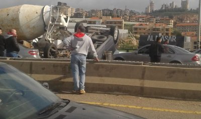 جريح بحادث سير في وادي الزينة