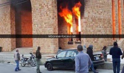بالفيديو: حريق يلتهم كنيسة قيد الانشاء في بعبدات
