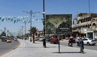 سياسي عراقي يطالب بطرد السفير الإيراني