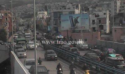 بالصورة: 5 جرحى بحادث سير على جسر برج حمود