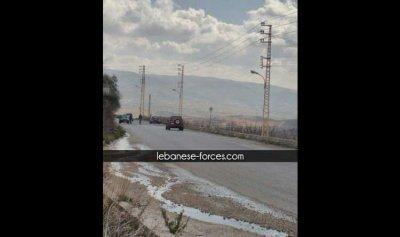 """خاص موقع """"القوات"""": حواجز لـ""""حزب الله"""" في البقاع وتوزيع صور ومناشير"""