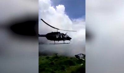 بالفيديو: تصادم مروحيتين ومقتل شخص بطريقة مروعة