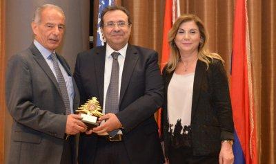 الجمعية الخيرية العمومية الأرمنية وشباب أنترانيك تكرّمان النائب طالوزيان