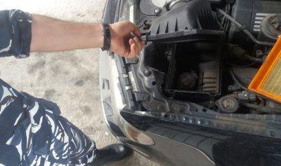 بالصور: مخدرات في فلتر هواء السيارة