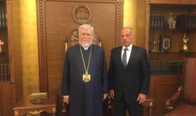 بالصور: طالوزيان زار البطريرك أرام الأول