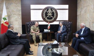 قائد الجيش عرض وزواره الاوضاع في لبنان والمنطقة