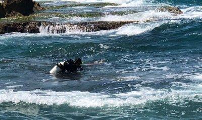 إنتشال جثة فتى من عمق بحر جبيل