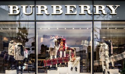 """Burberry"" تتلف عمدًا ملابس وعطورًا بـ37 مليون دولار… والسبب!"