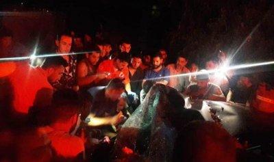 جريحان جراء اصطدام سيارة بشجرة على طريق بزبينا