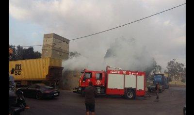 حريق نفايات وإطارات في محلة الكرنتينا