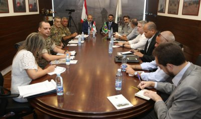 محادثات لبنانية برازيلية في وزارة الدفاع